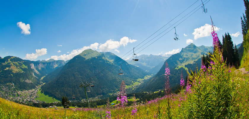Countryside & chairlift Morzine